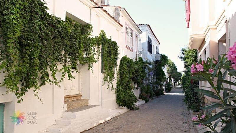 bozcacada Ada Sokakları