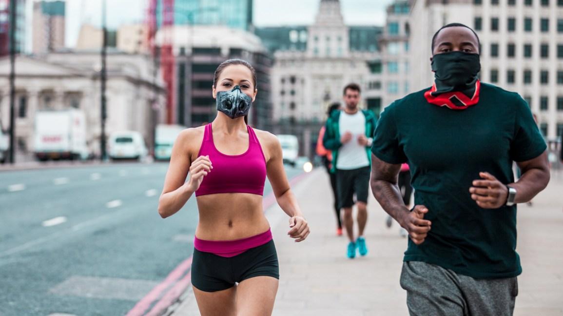 Dışarıda Koşarken Yüz Maskesi Takmalı mısınız?