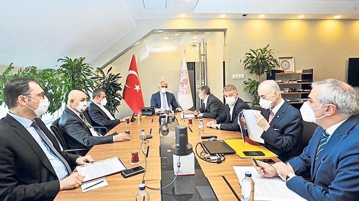 Mustafa Cengizden kulüplere müjde